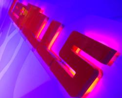Les Mills backlit logo
