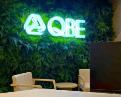 QBE illuminated reception sign